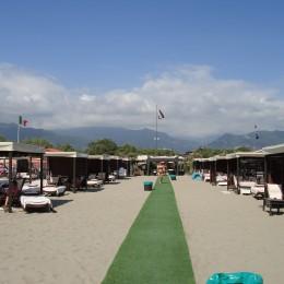 Пляж в Форте дей Марми